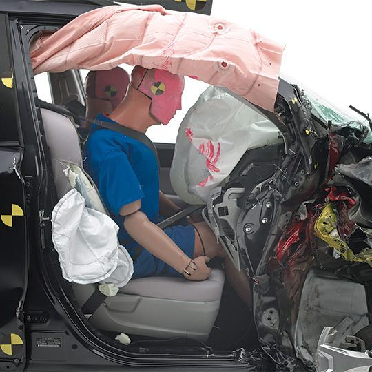 2014-Subaru-Forester-passenger-side-small-overlap-test