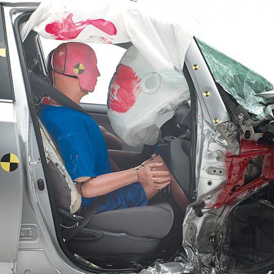 2015-Toyota-RAV4-passenger