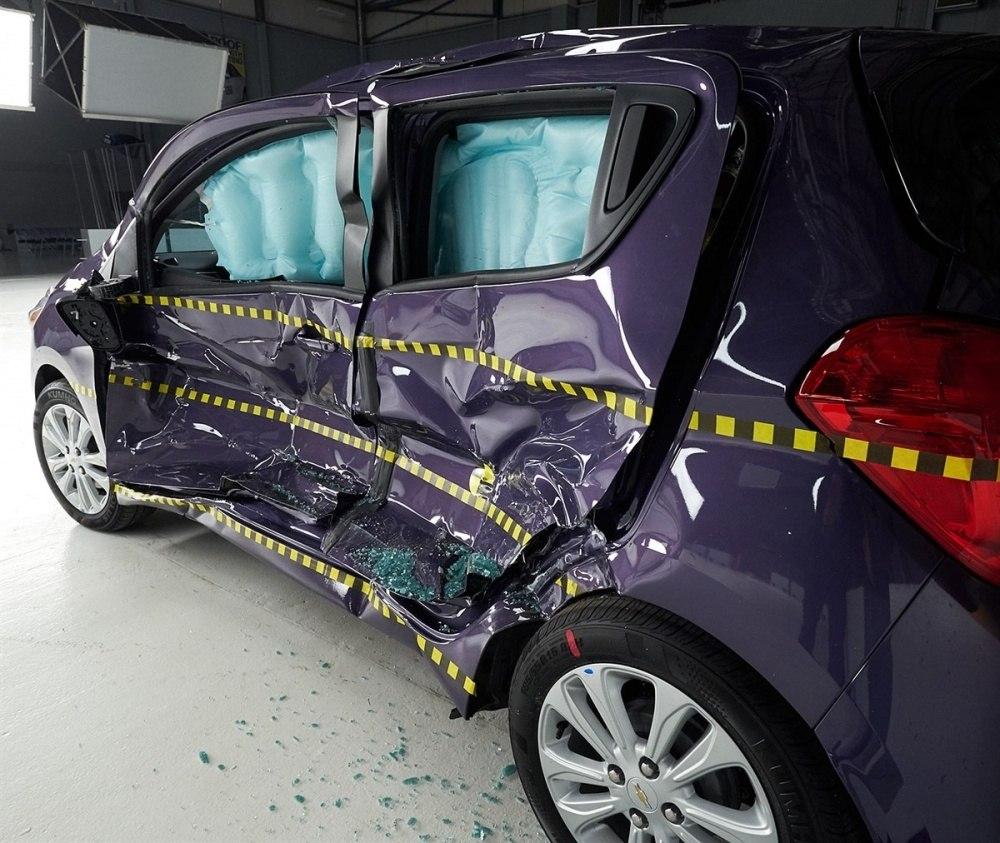 2016 Chevrolet Spark IIHS side impact 1