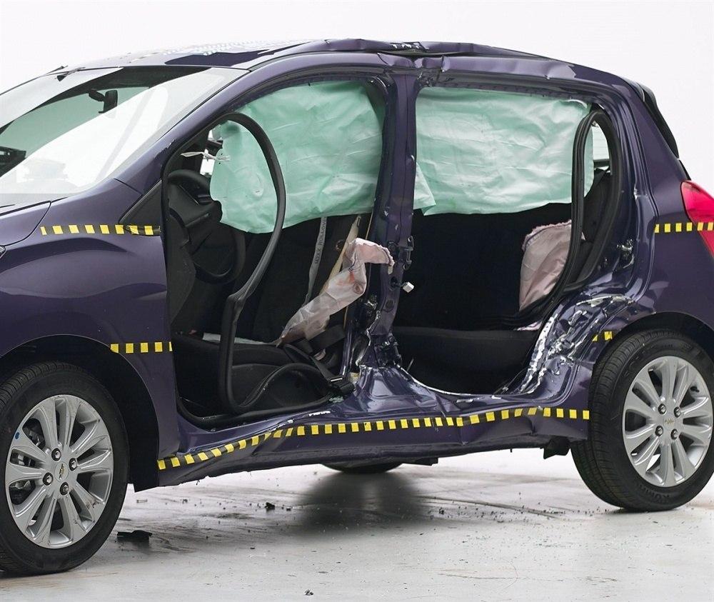 2016 Chevrolet Spark IIHS side impact 2