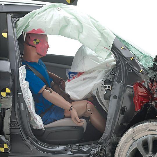 2016-Hyundai-Tucson-passenger-side-small-overlap-test