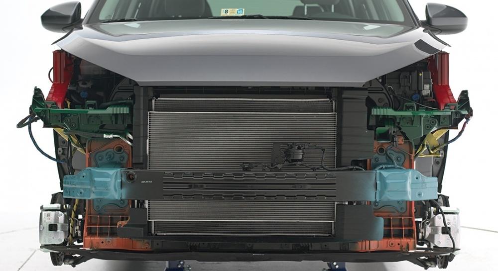 2016-Hyundai-Tucson-symmetrical-appearance