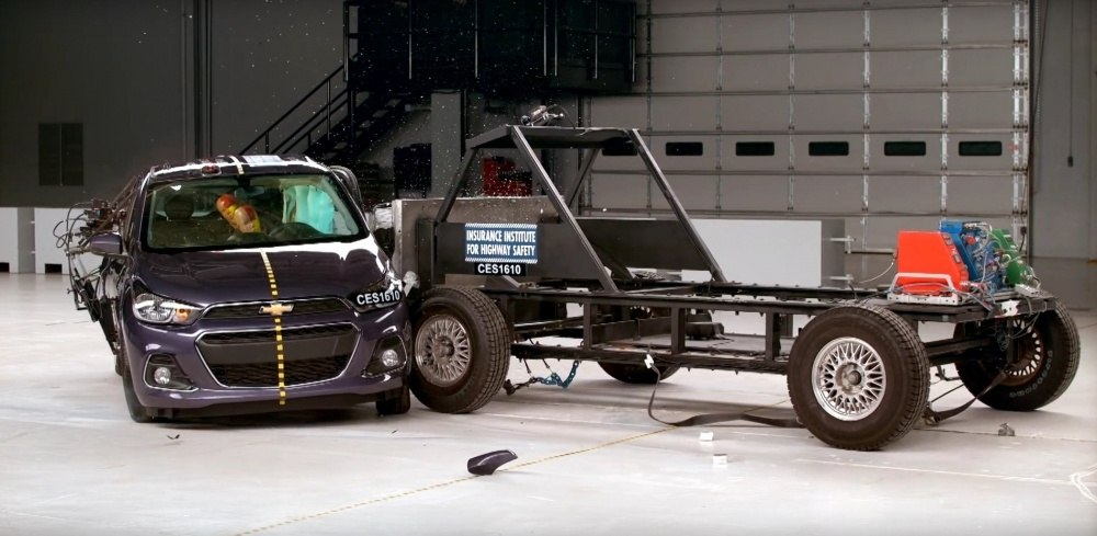 2016-chevrolet-spark-crash-tested-by-the-iihs