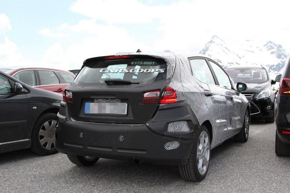 2018-Ford-Fiesta-15