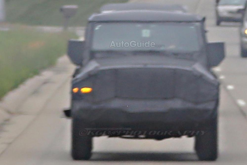 2018-Jeep-Wrangler-Spy-Shots-14