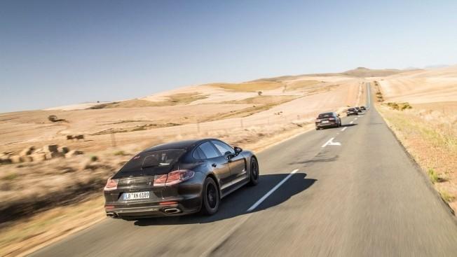 2018-Porsche-Panamera-1