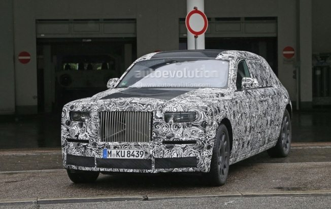 2018-rolls-royce-phantom-show-us-its-interior-for-the-first-time_3