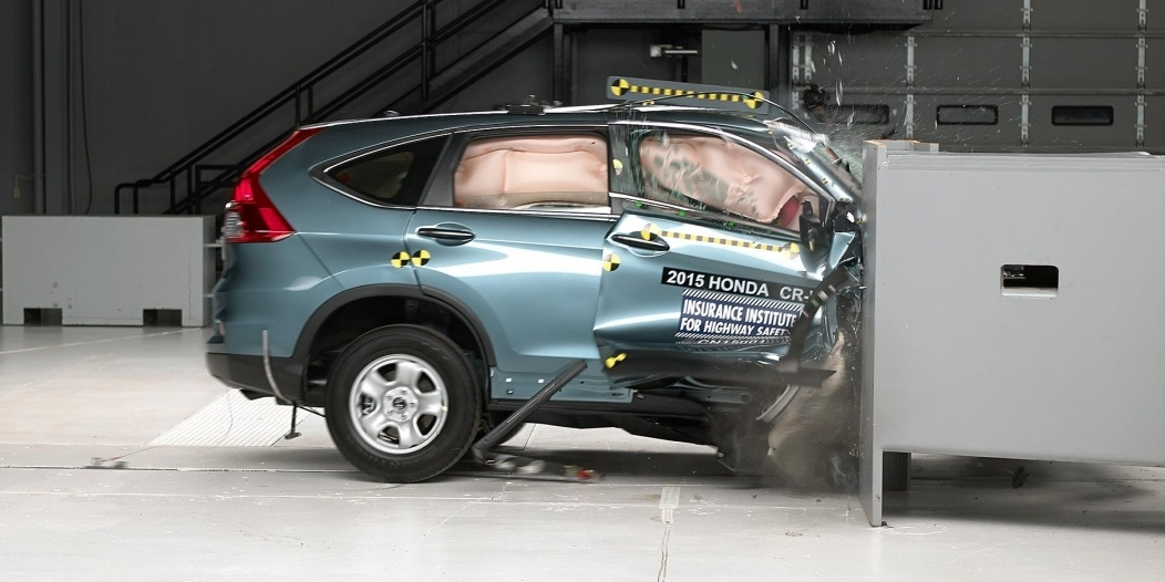 Honda CR-V IIHS Small Overlap test passenger side