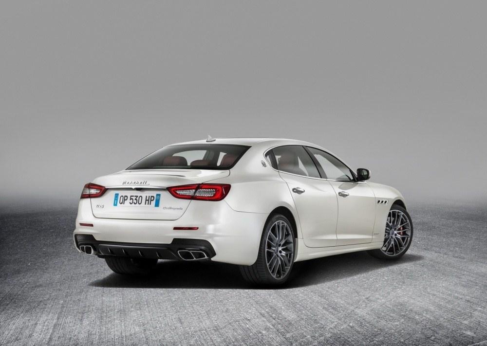 Maserati-Quattroporte-9