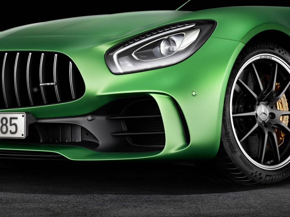 Mercedes-AMG-GT-R-22
