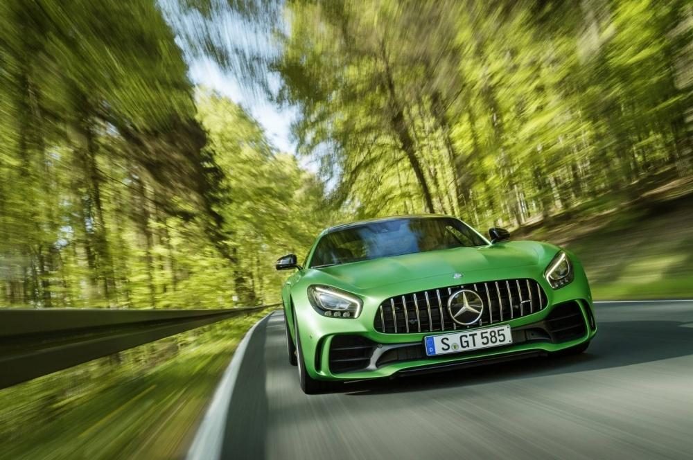 Mercedes-AMG-GT-R-7