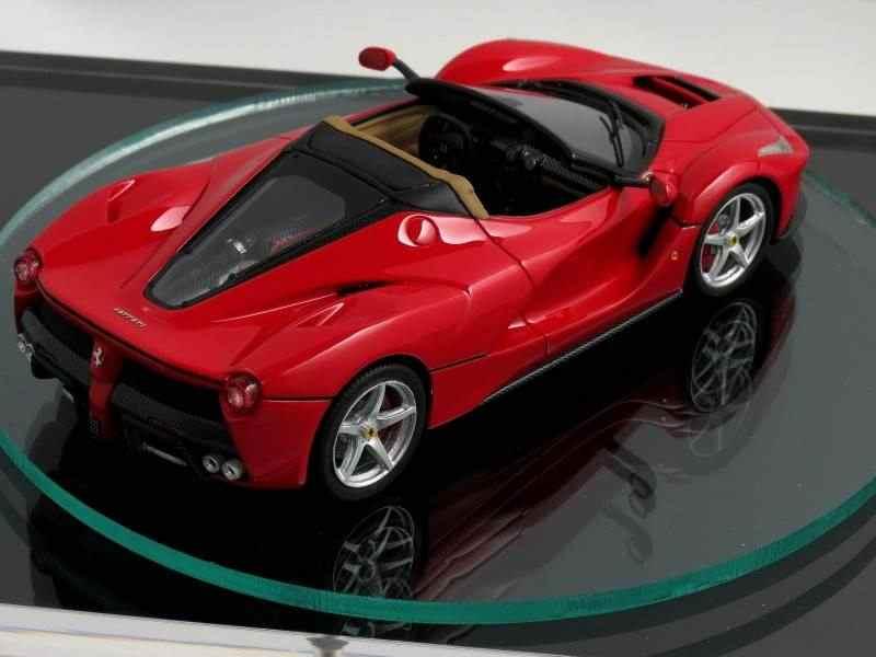 Scale-model-might-reveal-looks-of-the-2017-Ferrari-LaFerrari-Spider-2