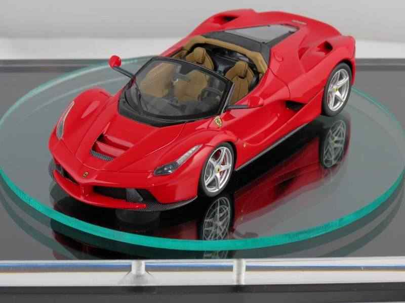 Scale-model-might-reveal-looks-of-the-2017-Ferrari-LaFerrari-Spider-3