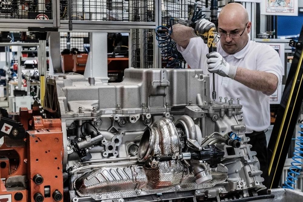 aston-martin-db11-engine-cologne-plant-27