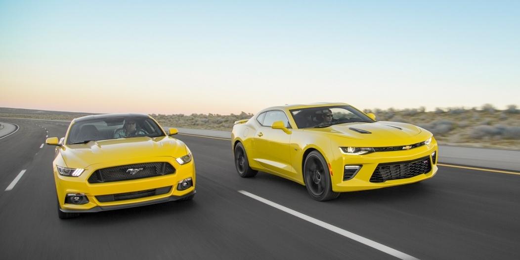 2016-Chevrolet-Camaro-SS-VS-Ford-Mustang-GT-front-three-quarter-in-motion