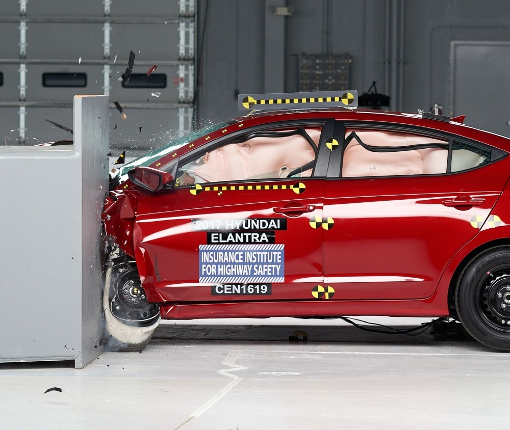 2017 Hyundai Elantra IIHS Rating 1