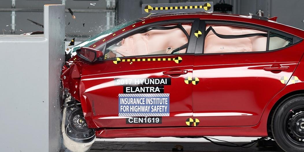 2017 Hyundai Elantra IIHS Rating 1