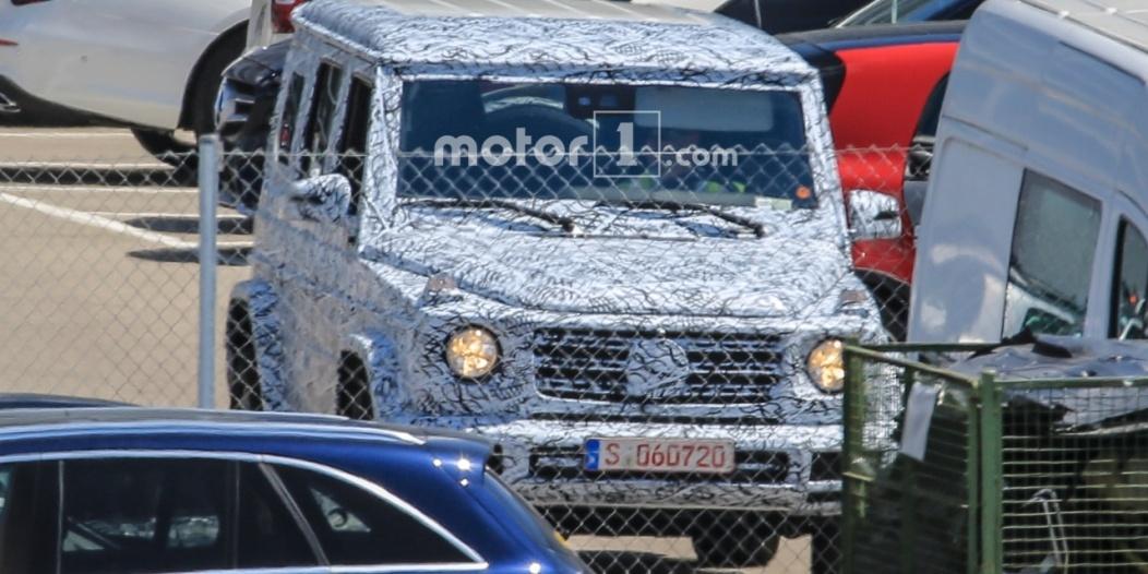 2017-mercedes-benz-g-class-spy-photo (2)