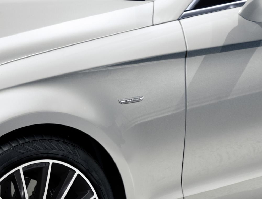 Mercedes-CLS-4