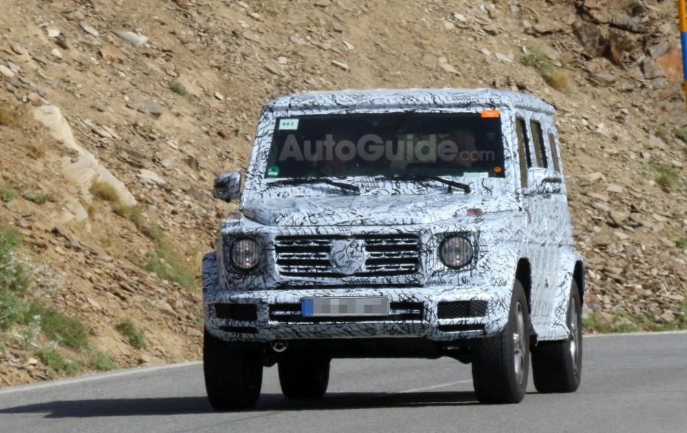mercedes-benz-g-class-spy-photos-01