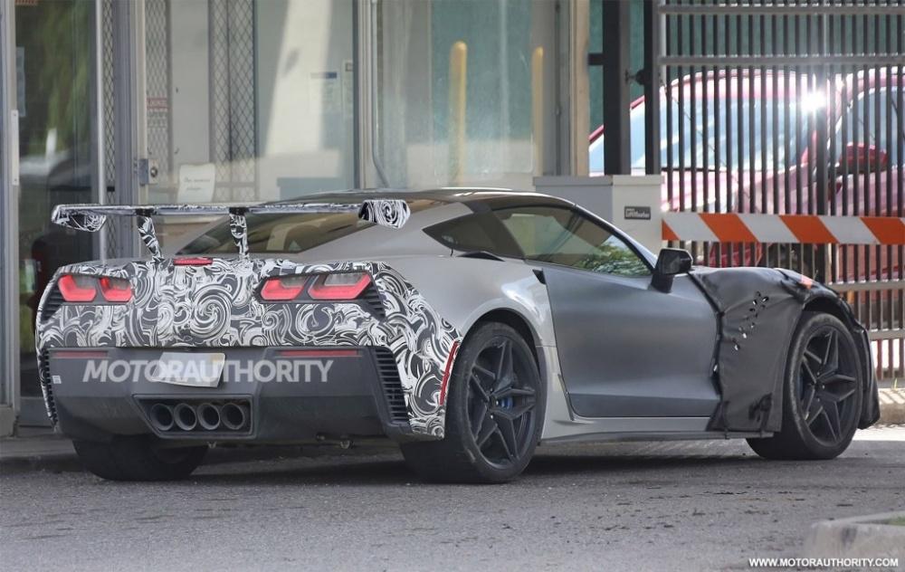 2018-chevrolet-corvette-zr1-spy-shots--s-baldauf-sb-medien_100562454_l