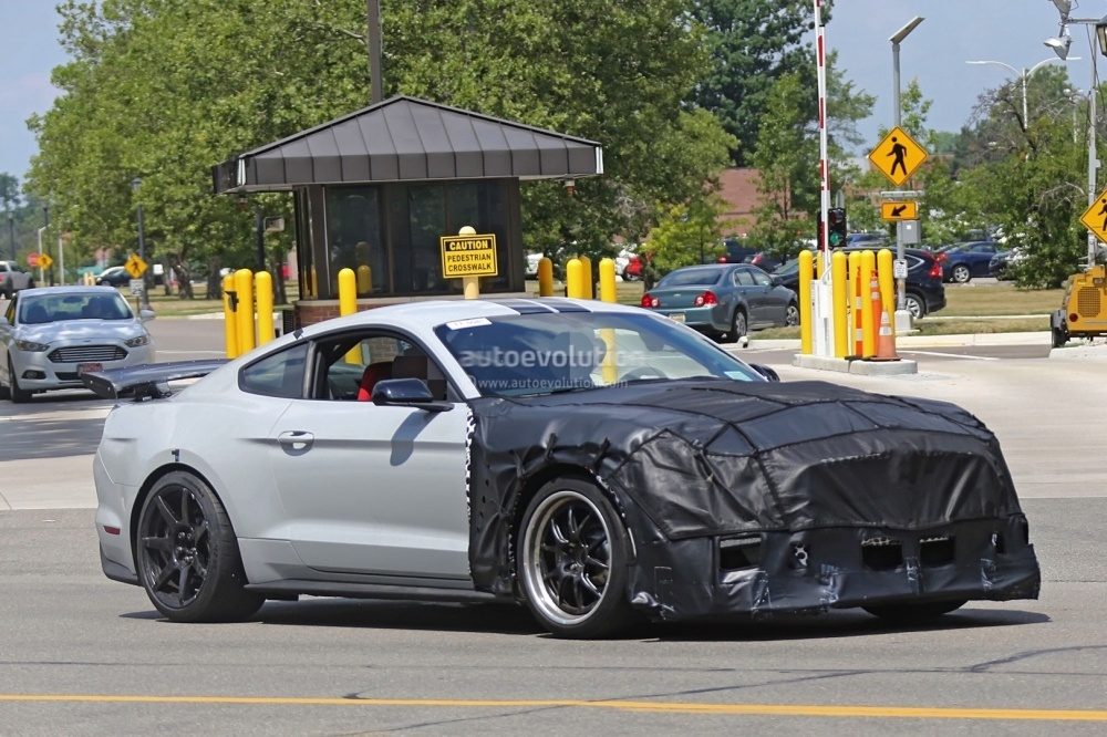 2018-ford-mustang-shelby-gt500-5
