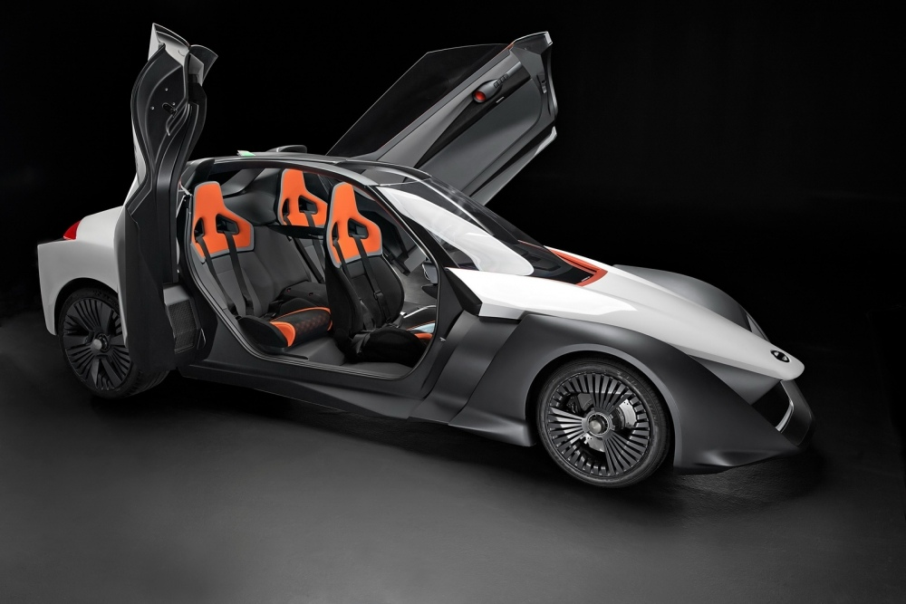 RIO DE JAMEIRO, Brazil (August 4, 2016) - Nissan Motor Co., Ltd today unveiled the working prototype of its futuristic BladeGlider vehicle, combining zero-emissions with high-performance in a revolutionary sports car design. The vehicles, developed from concept cars first shown at the Tokyo Auto Show in 2013, have arrived in Brazil to symbolize future technologies that will combine Intelligent Mobility, environmentally friendly impact and sports-car driving capabilities.