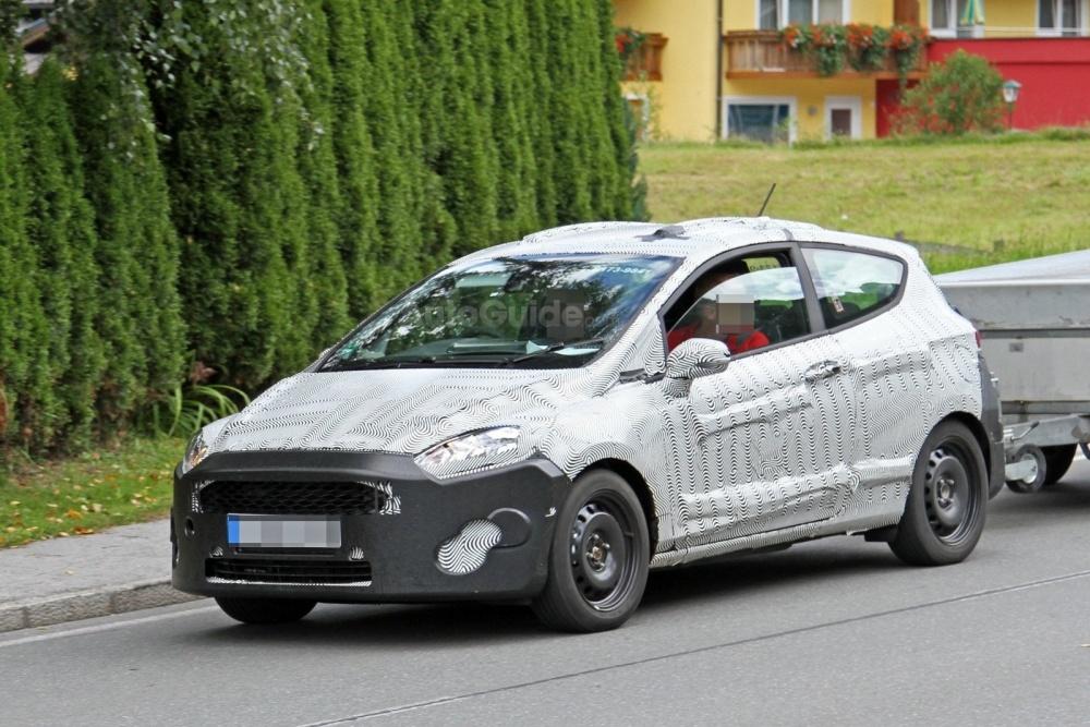 ford-fiesta-3-door-hatchback-spy-photos-03