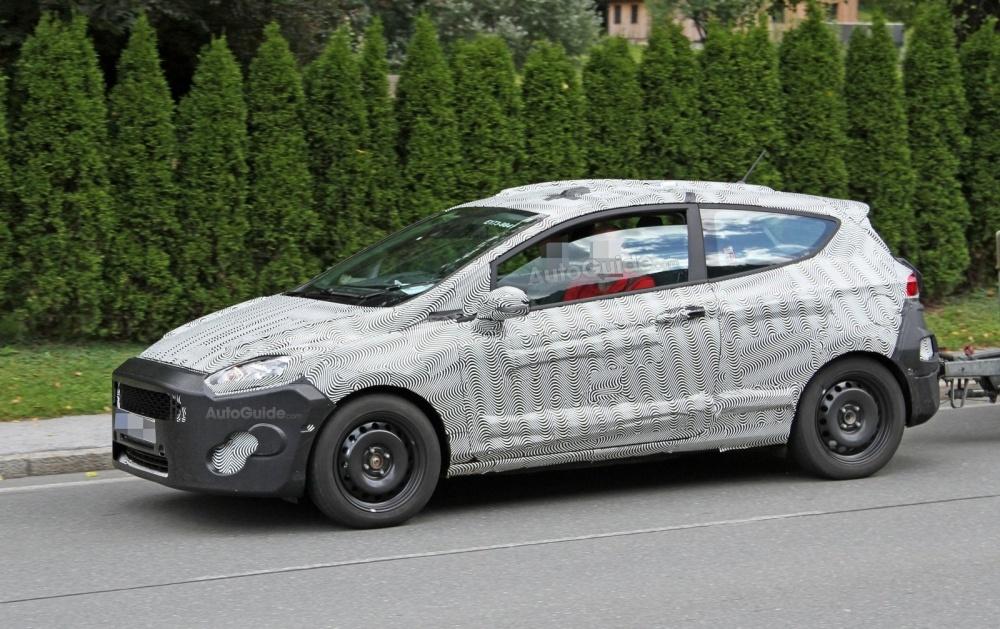 ford-fiesta-3-door-hatchback-spy-photos-04
