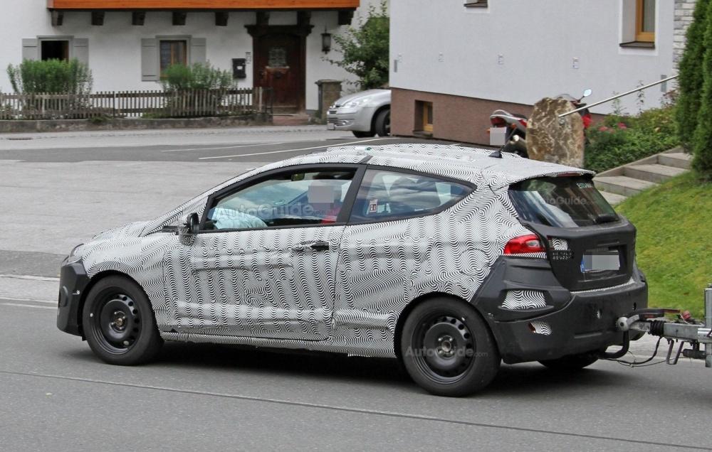 ford-fiesta-3-door-hatchback-spy-photos-06