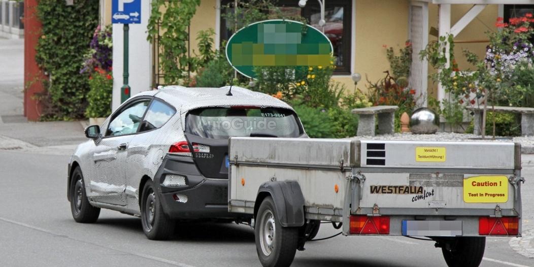 ford-fiesta-3-door-hatchback-spy-photos-08