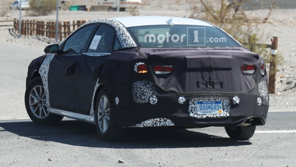 hyundai-sonata-spy-photos (11)