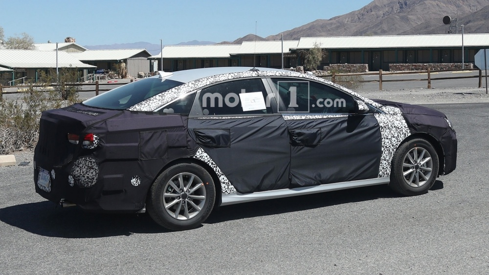 hyundai-sonata-spy-photos (8)