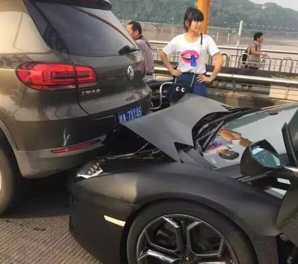 lamborghini-aventador-vw-tiguan-crash-china-1