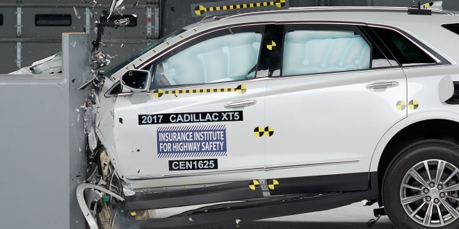 2017-cadillac-xt5-iihs-rating-1