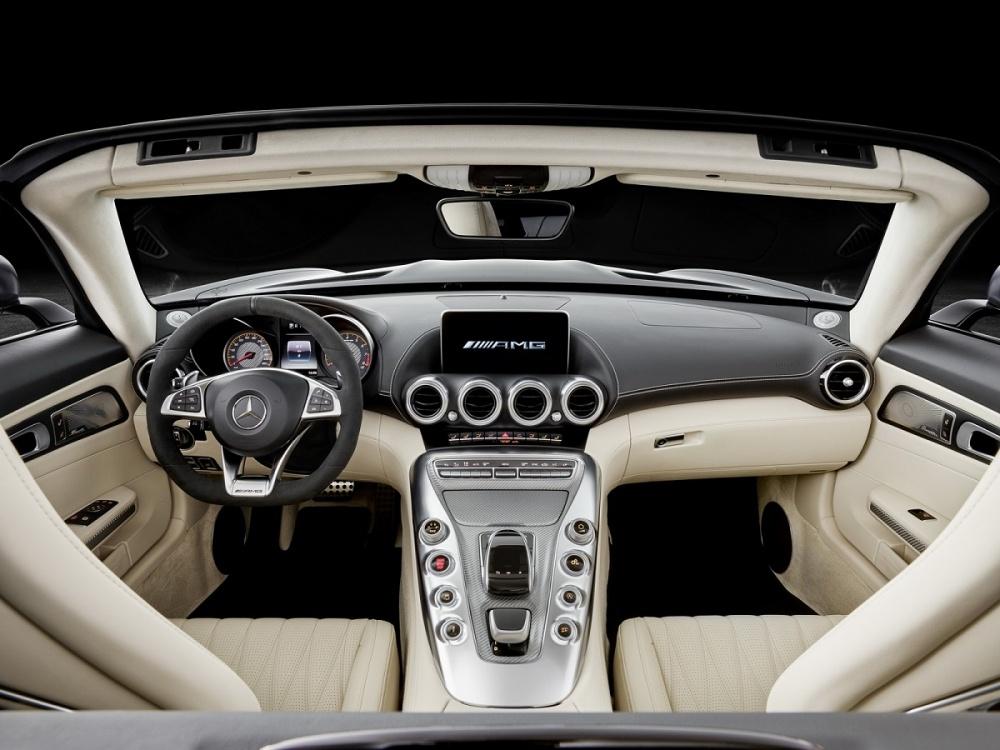 2017-mercedesamggt-roadster-13