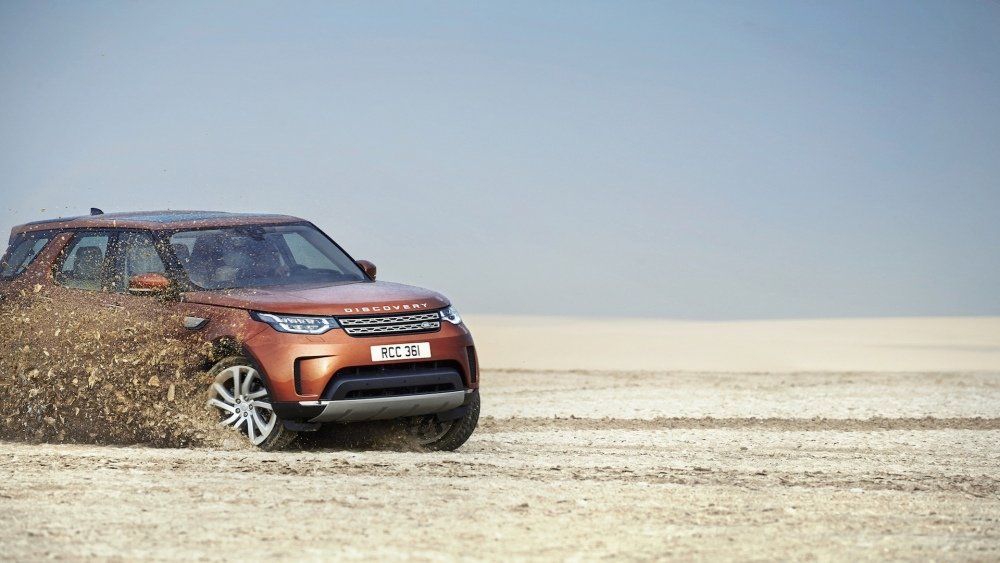 2017-land-rover-discovery-11