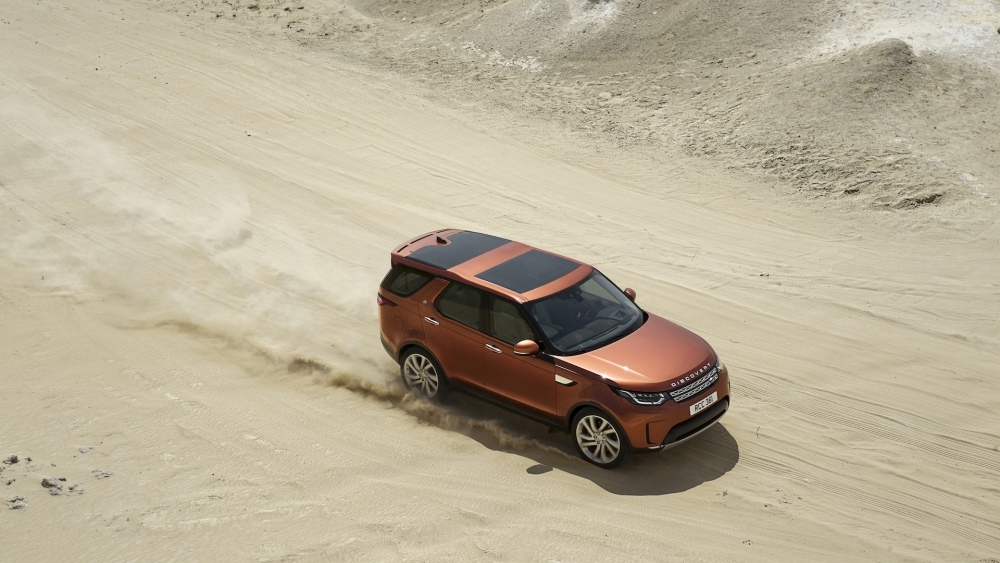 2017-land-rover-discovery-16
