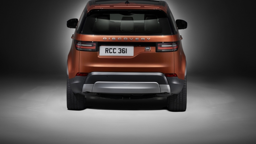 2017-land-rover-discovery-4