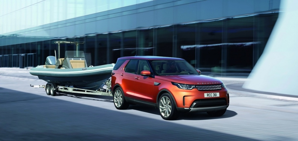 2017-land-rover-discovery-68