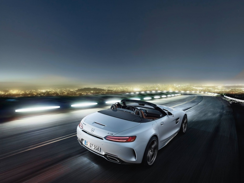 amg-roadster-gt-4