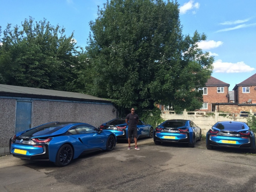 leicester-city-wrapping-bmw-i8-3