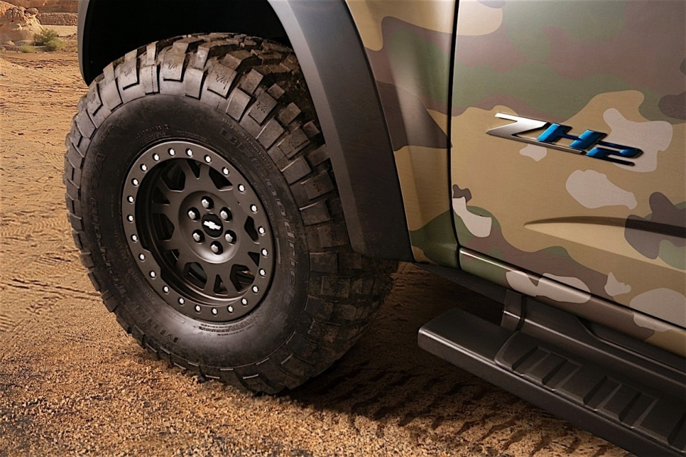mission-ready-chevrolet-colorado-zh2-fuel-cell-vehicle-breaks-cover-at-us-army_6