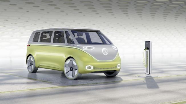 فولكس واجن تؤكد إنتاج حافلتها الشهيرة بجيل جديد في 2022