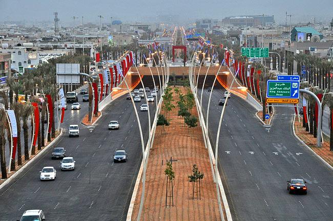 وزارة النقل ترخص لـ21 شركة سيارات أجرة خاصة