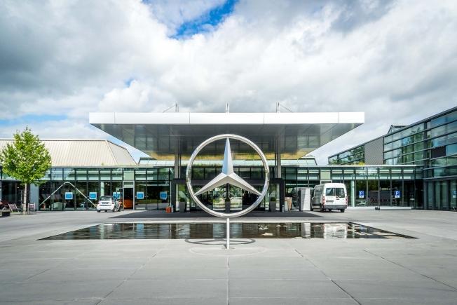 مرسيدس تبدأ بإجراء التغييرات في مصنعها في شتوتغارت ليكون مقراً لسيارات EQ الكهربائية