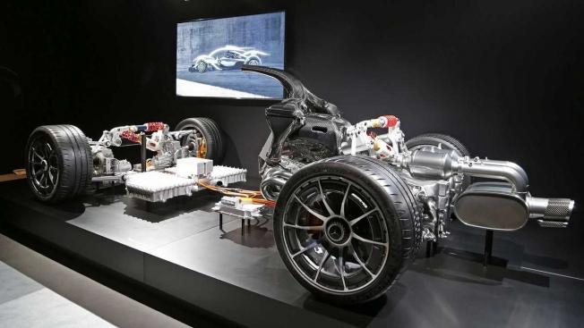 مرسيدس تكشف عن تفاصيل أداء سيارتها الهايبركار AMG Project One