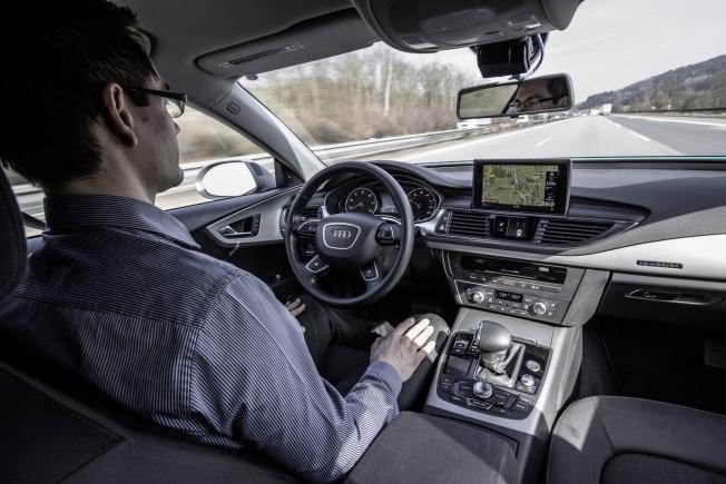 أودي ستطلق أولى سياراتها ذاتية القيادة بالكامل في 2021