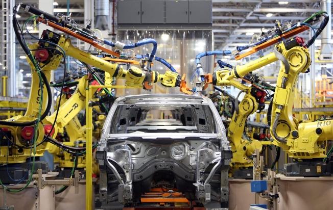 شركات عالمية تتقدم بطلب تراخيص إنشاء مصانعها بالسعودية