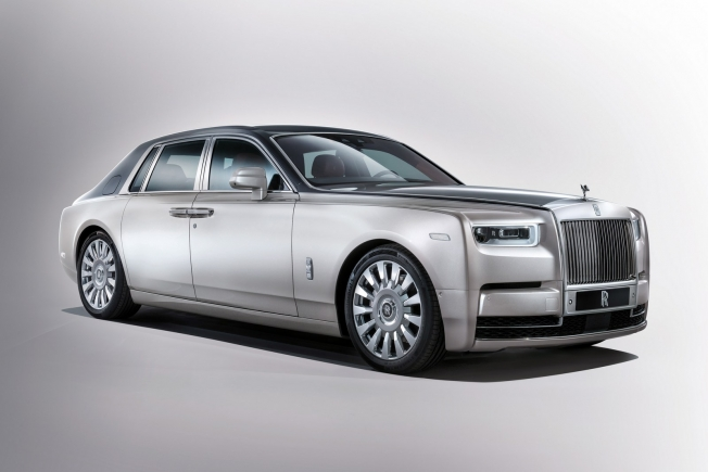 رولز رويس تكشف رسمياً عن فانتوم الجديدة كلياً، أفخم سيارة على الإطلاق